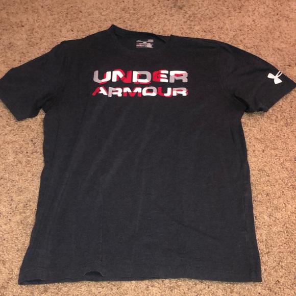Large men's under armour t shirt